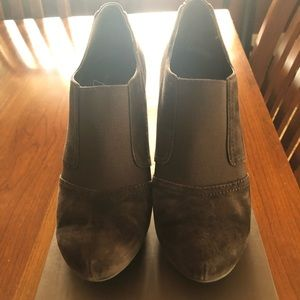 Franco Sarto Dark brown suede heels